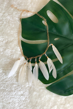 Load image into Gallery viewer, Gold feather necklace