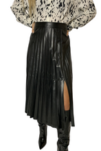 Load image into Gallery viewer, Pu pleated midi skirt