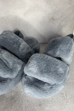 Load image into Gallery viewer, Grey faux fur slipper