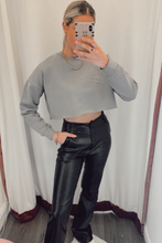 Load image into Gallery viewer, Grey cropped sweatshirt