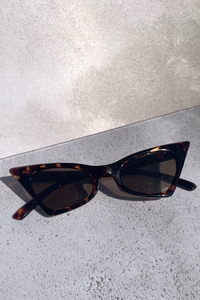 Printed pointed sunglasses