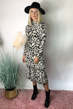 Load image into Gallery viewer, Floral black and white midi dress