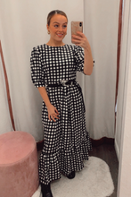 Load image into Gallery viewer, Gingham maxi dress