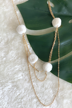 Load image into Gallery viewer, Gold Pom Pom Necklace