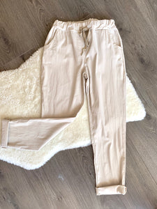 Beige stretchy cropped trouser