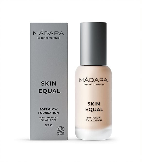 SKIN EQUAL Soft Glow Foundation - Mádara