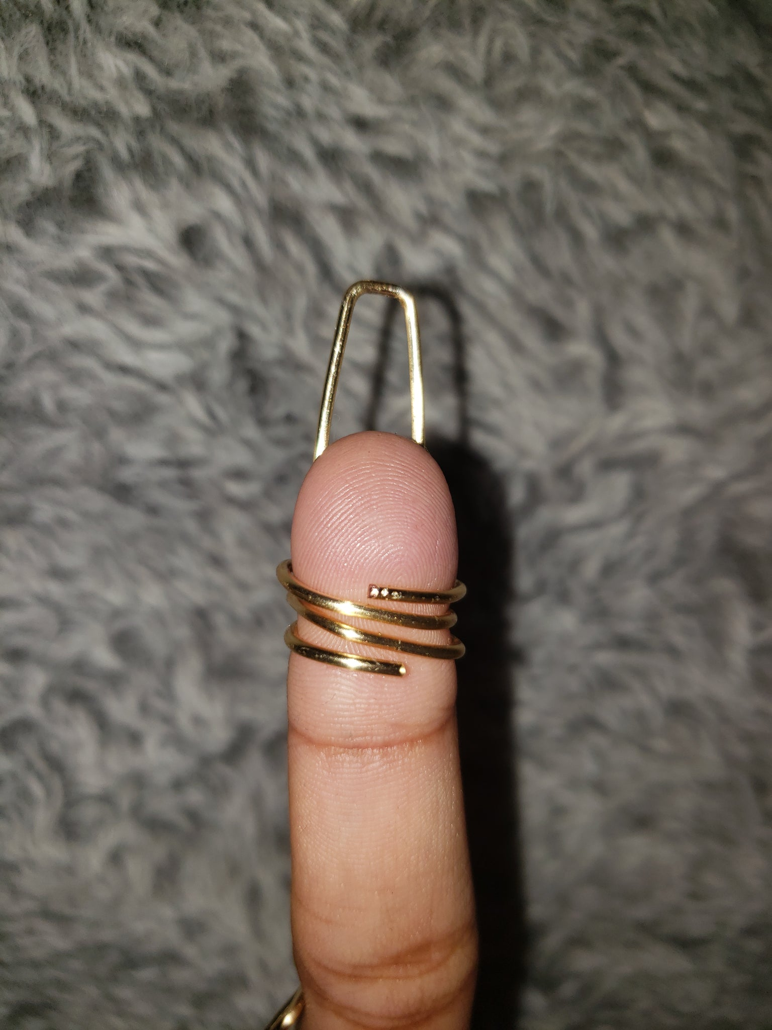 Backside of single nail ring in Halo Style, Gold, 16 Gauge , Long, Ballerina