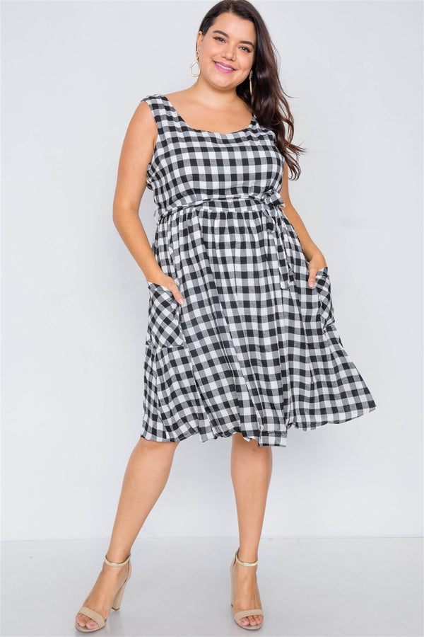 Plus Size Scoop Neck Side Pockets Checkered Gingham Midi Dres demochatbot