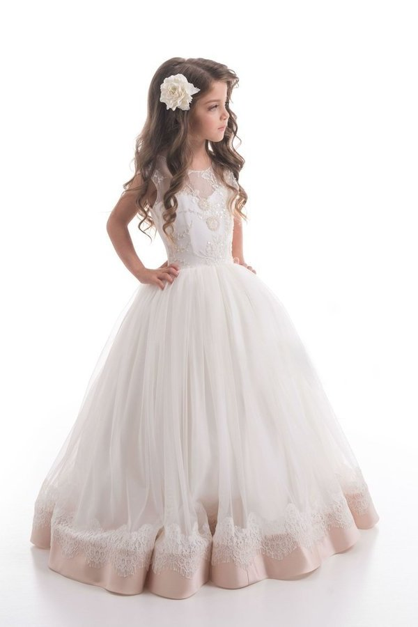 2020 A Line Scoop Tulle With Beads And Applique Flower PL79D4HY