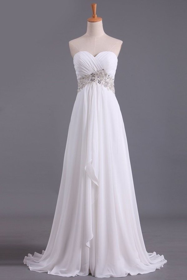 2020 A Line Sweetheart Chiffon With Beads And Ruffles Wedding P82FBNCN