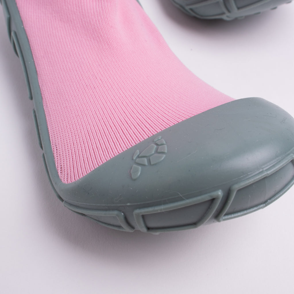 socks in a shell for kids in pink