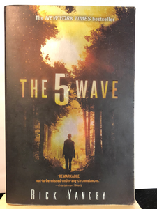 The 5th Wave  by Rick Yancey     (The 5th Wave #1)    used paperback