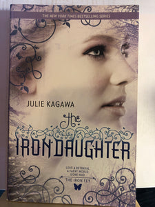 Iron Daughter  by Julie Kagawa    (The Iron Fey #2)  Used paperback