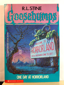 One Day at Horrorland    by R.L. Stine   (Goosebumps #16)   Used paperback