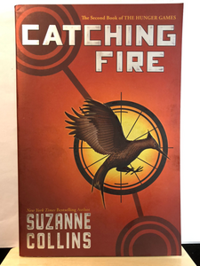 Catching Fire    by Suzanne Collins    (The Hunger Games #2)    paperback