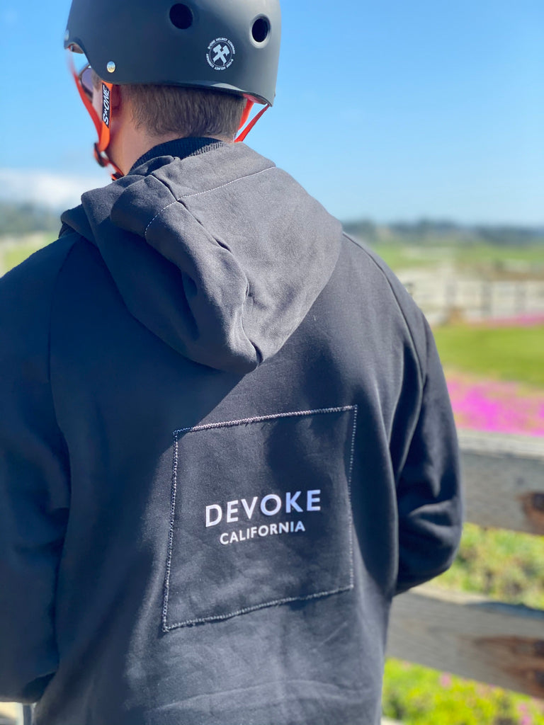 Signature Devoke Hoodie with white Logo patching