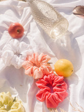 Load image into Gallery viewer, Peach Bellini Eyelet