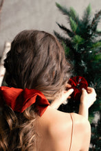 Load image into Gallery viewer, Rudolph Dinner Scrunchie