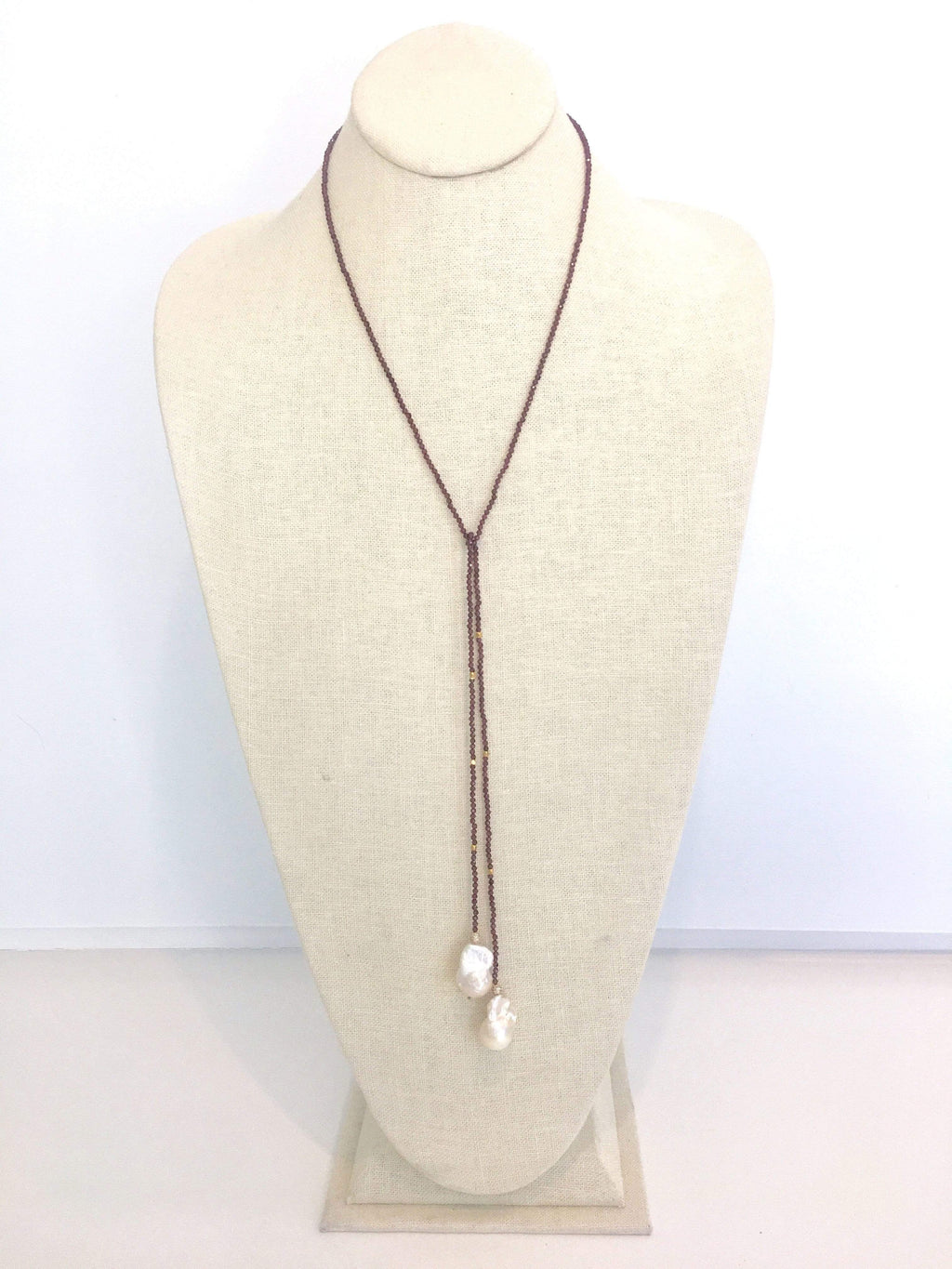 In2Design Necklaces Iselia Deluxe Garnet/Pearl Lariat