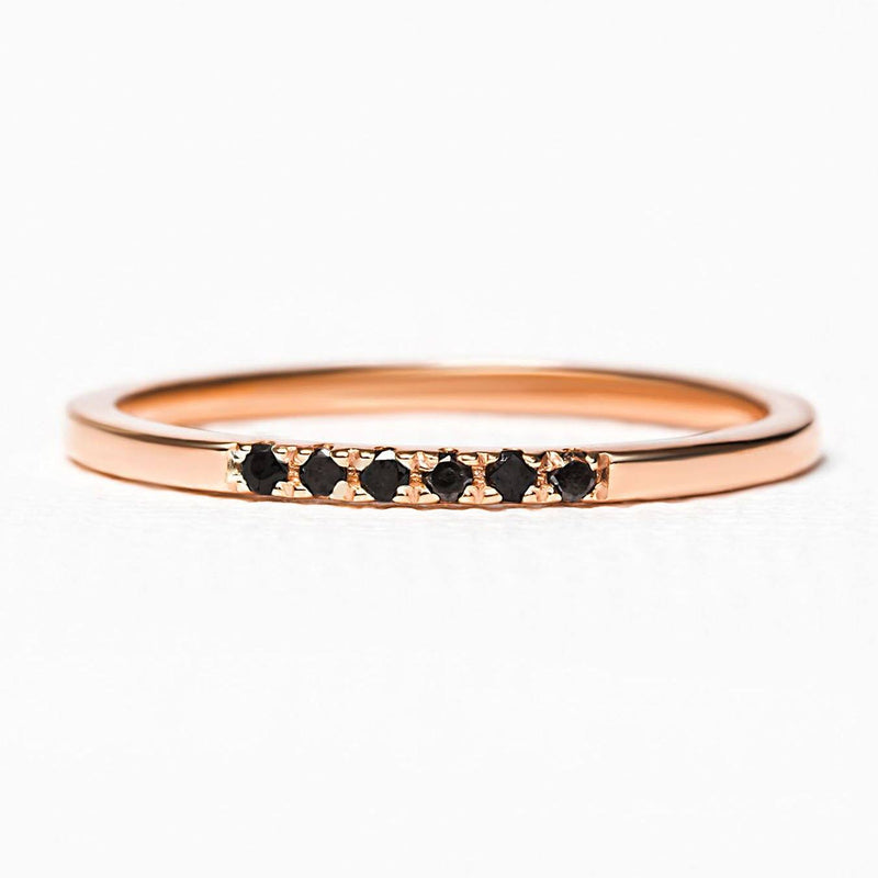 alliance en or rose et diamants noirs