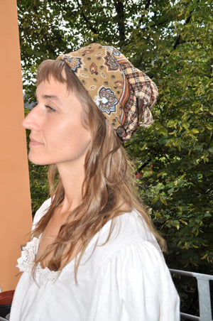 Load image into Gallery viewer, Retro- Patterned- Bandana- Scarf - Goodleafvintage