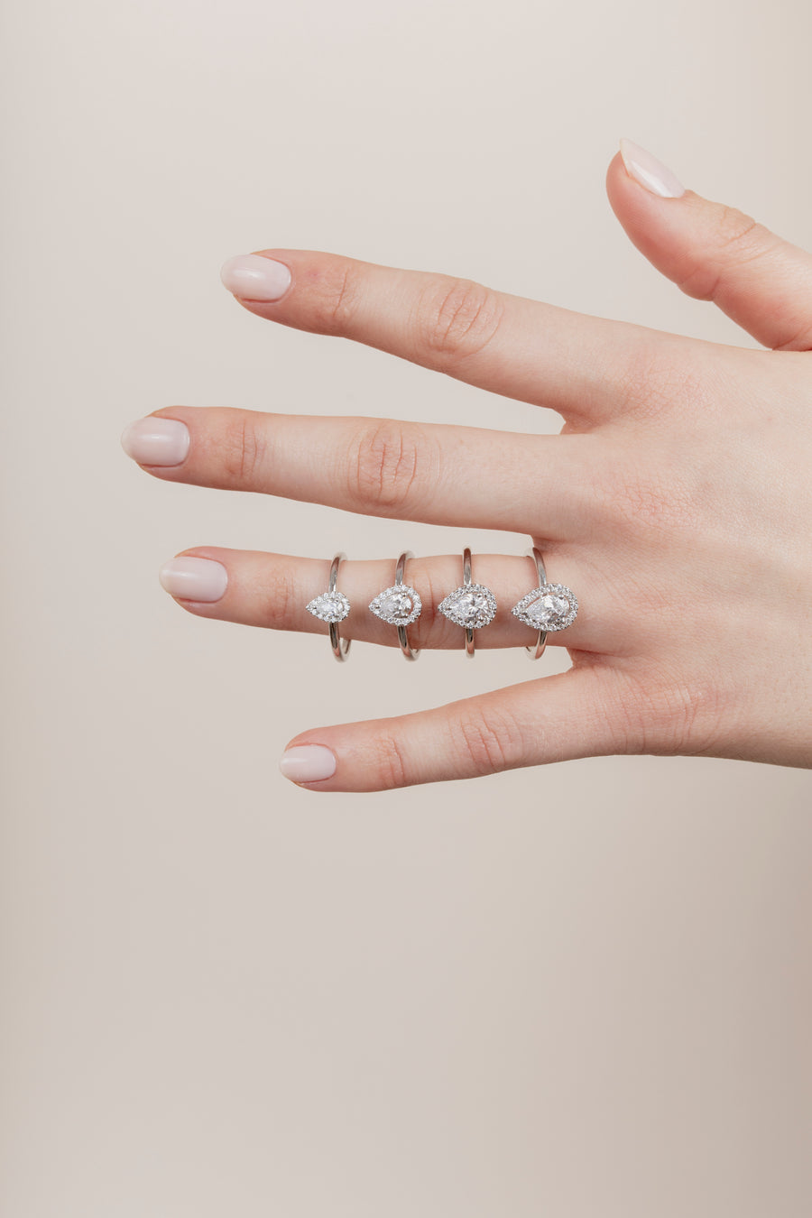 The Pear Solitaire with Halo