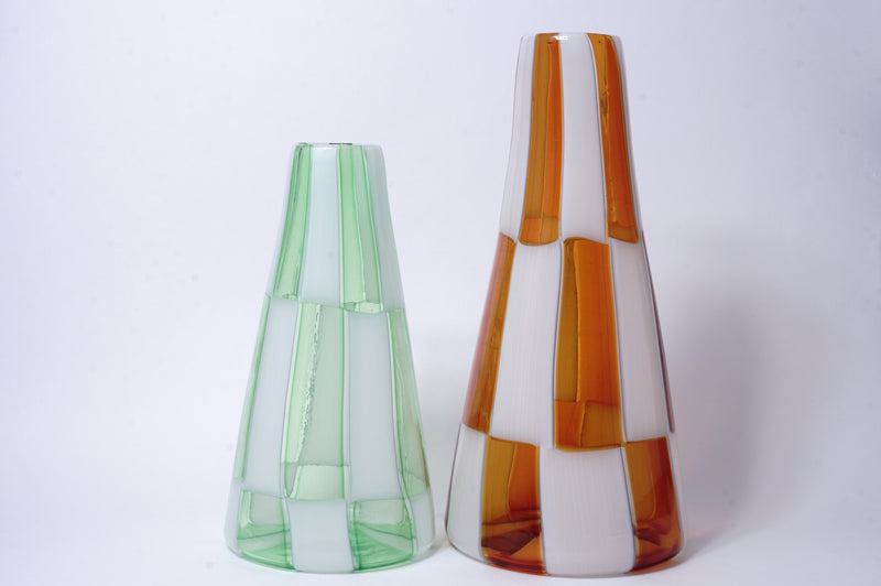 Triangular pyramid flower vase 25