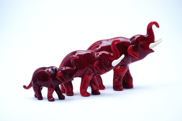 Elephant family red