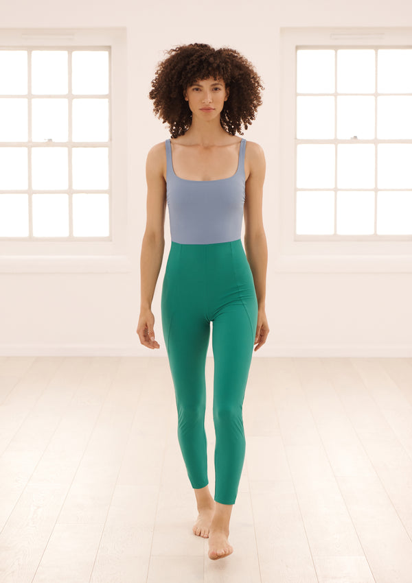 ASTRA BODYSUIT IN ECONYL® - CORNFLOWER BLUE / EMERALD