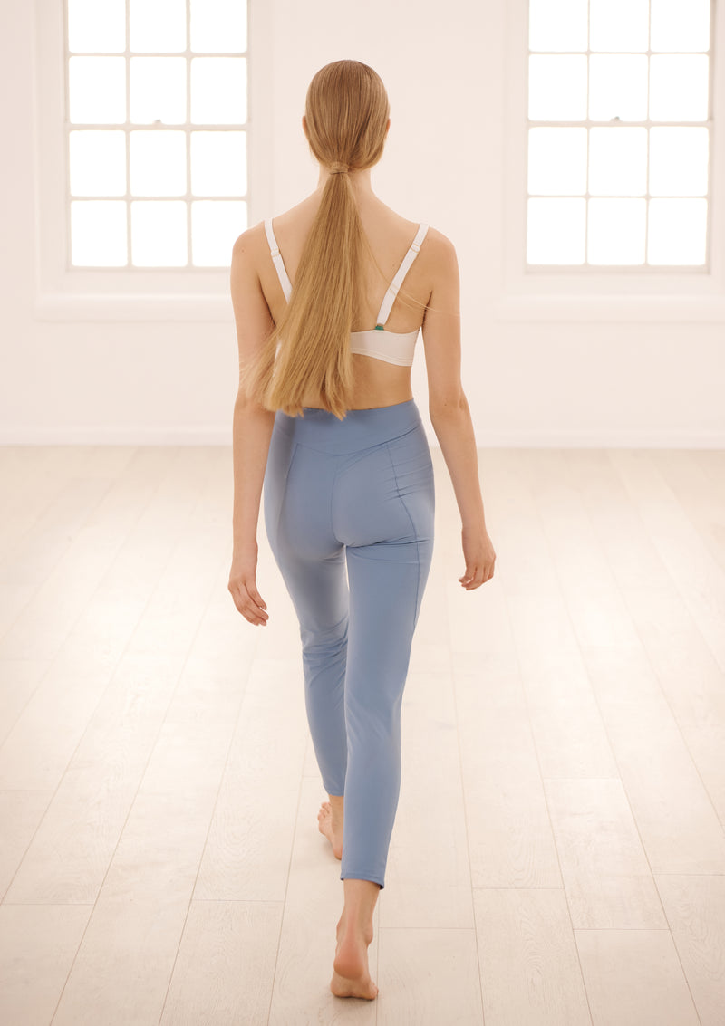 LUNA LEGGINGS IN ECONYL® - CORNFLOWER BLUE