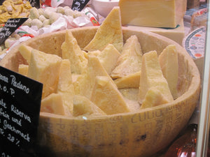 4 astounding things you didn't think about Parmigiano-Reggiano