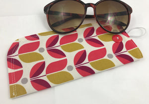 Tulip Eyeglasses Sleeve, Red Floral Sunglasses Case, Padded Reading Glasses Pouch - EcoHip Custom Designs