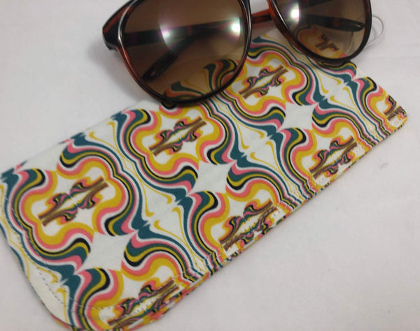 Cream Eye Glasses Case, Beige Sunglass Pouch, Soft Padded Glasses Cover - EcoHip Custom Designs