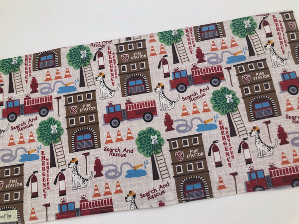 Activity Wallet, Travel Crayon Roll, Chalkboard Mat, Crayon Case, Gift for Kids, Pencil Case, Creative Toy, Stickers - Fire Station