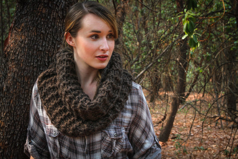 Claire's Outlander Cowl Kit - 3 Skeins RADIUS Bulky + Free Pattern