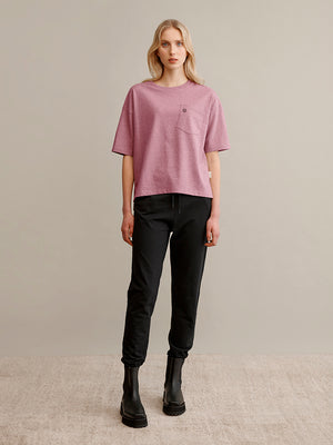 Women's pink t-shirt with a chest pocket. Globe Hope.