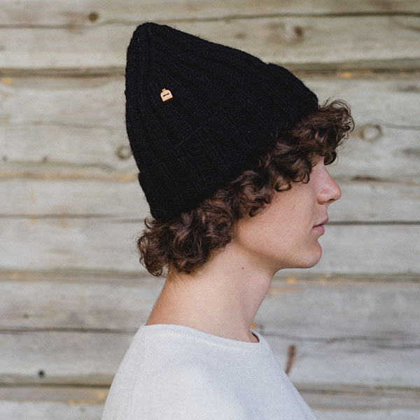 Hat farm black beanie farmester