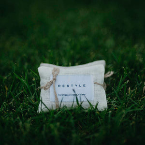 Linen scented bags to freshen your wardrobe. Lavender and cedar.