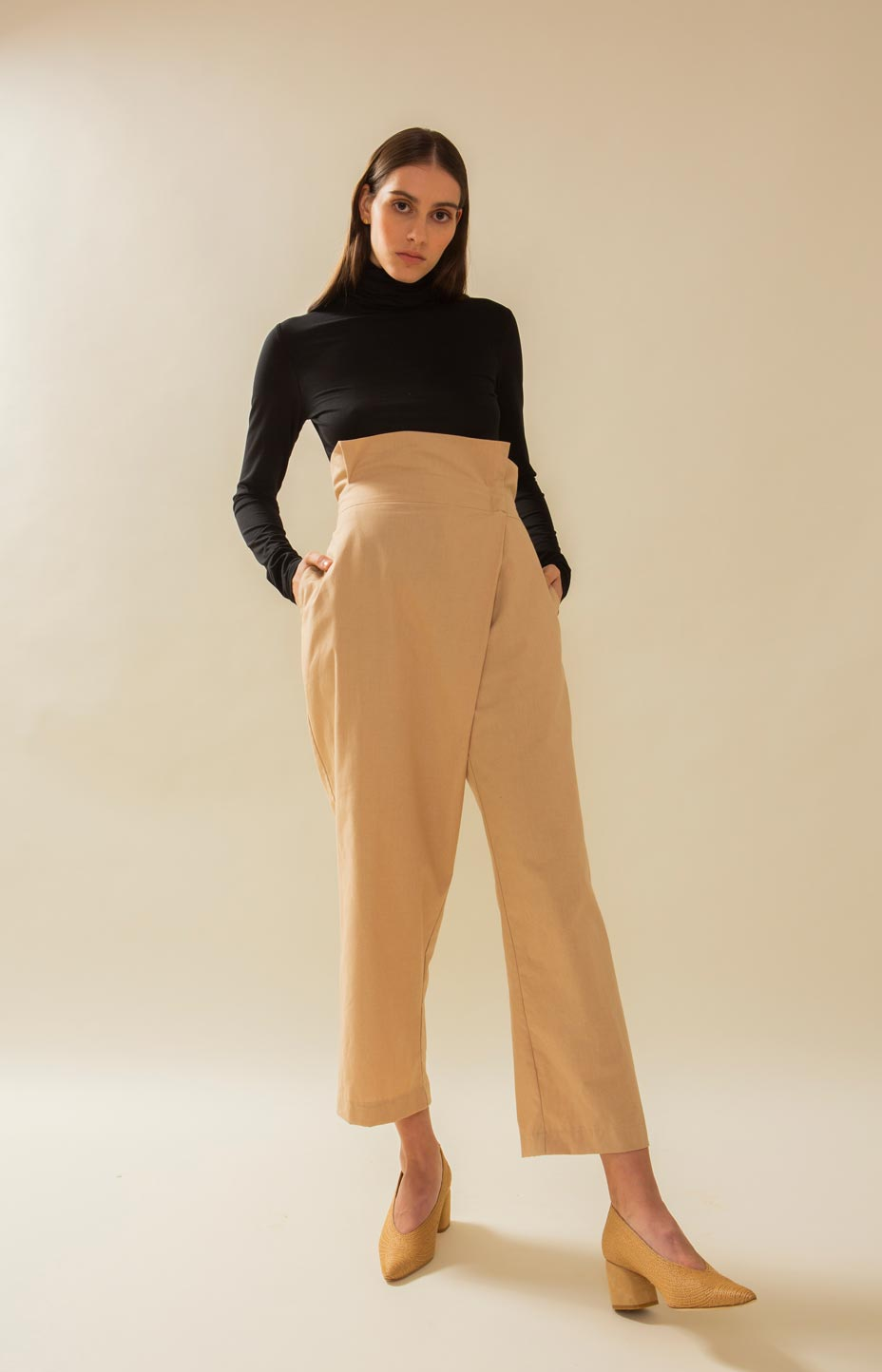 TAUKO Design paperbag pants beige