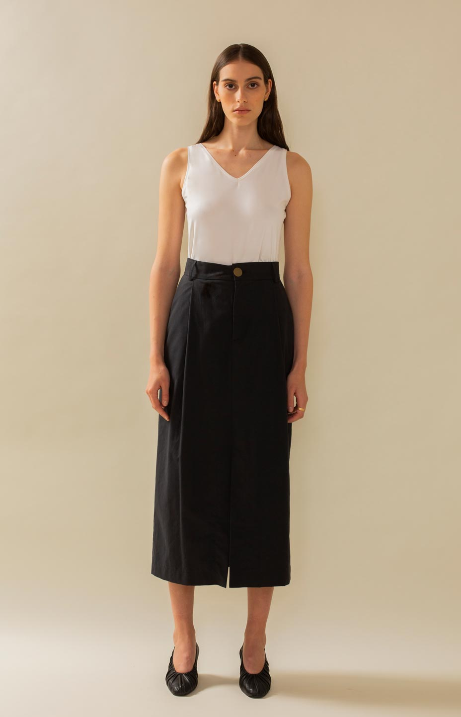 Timeless and stylish mid-skirt TAUKO.