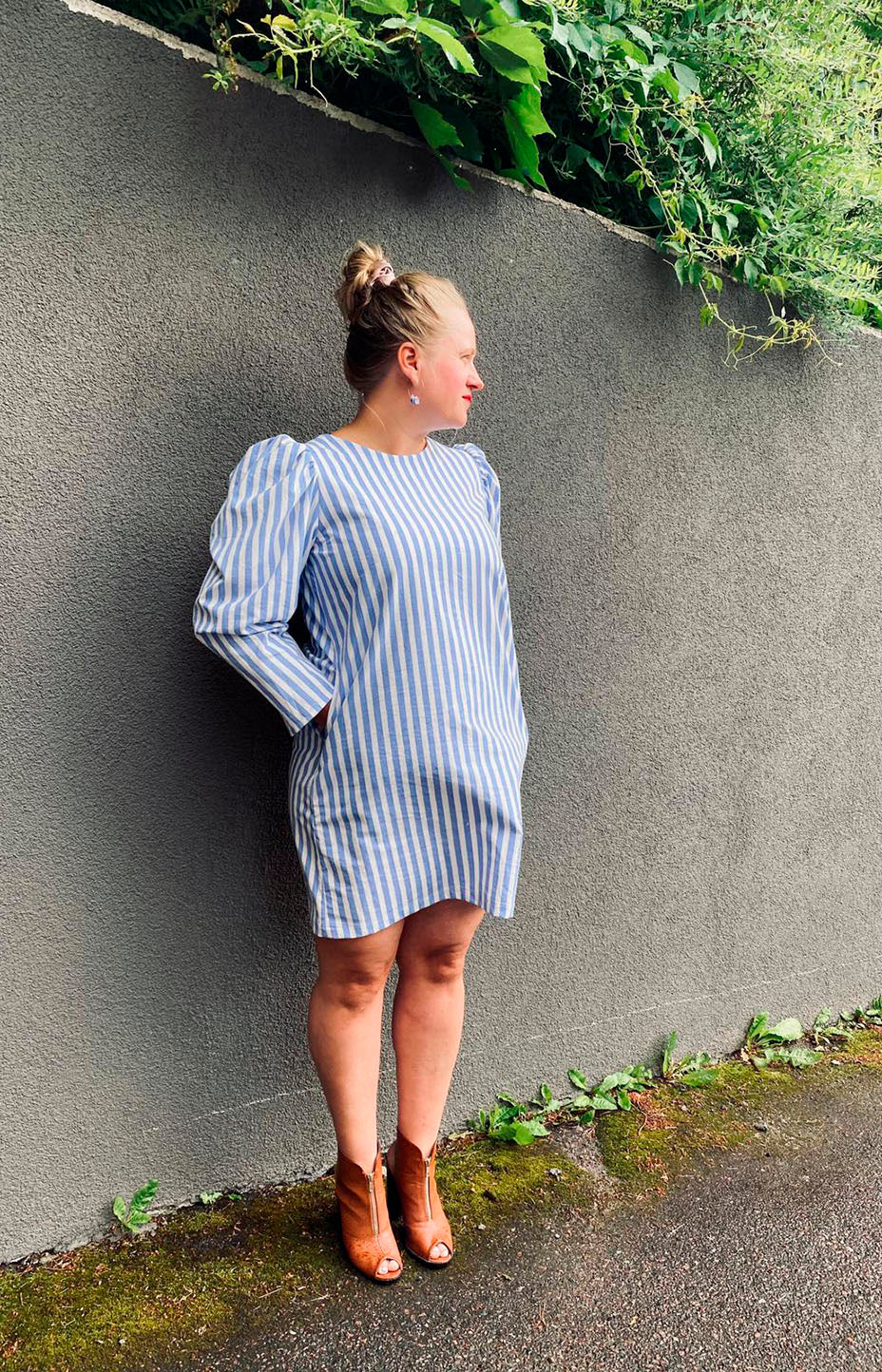 Long-sleeved dress in re-used cotton