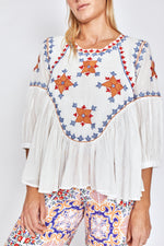 SORRENTO EMBROIDERED TOP IN WHITE