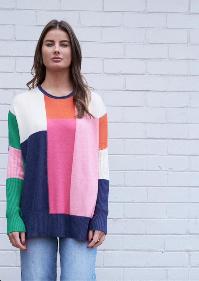 INTARSIA COLOUR BLOCK PULLOVER IN DENIM COMBO