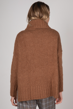 COMFORT ROLL NECK KNIT IN COFFEE