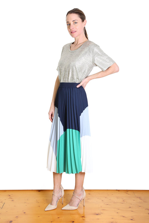 DOROTHY PLEAT SKIRT IN GREEN