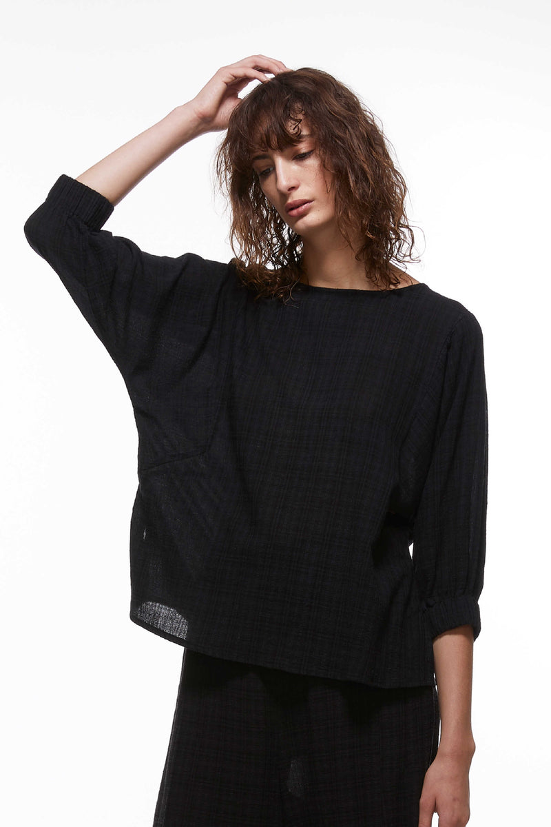 MAGYAR SLEEVE TOP IN BLACK