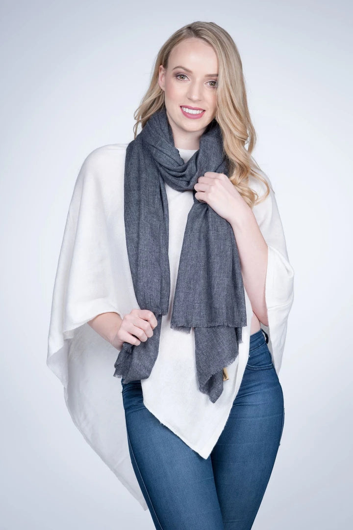 NATURAL CASHMERE SHAWL IN CHARCOAL