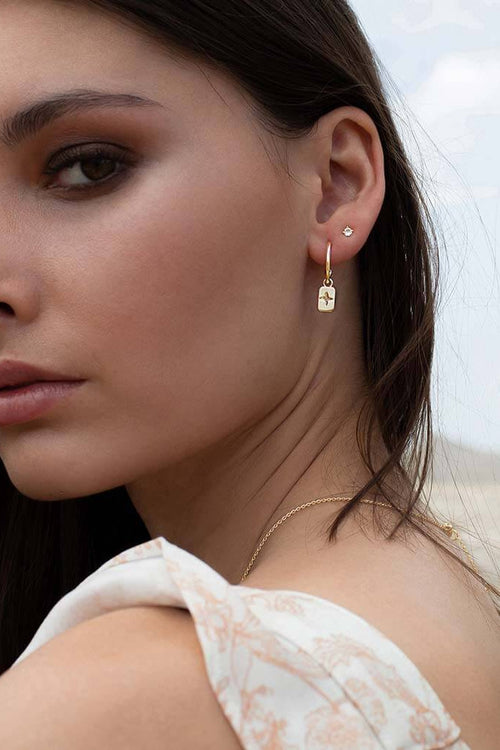 DESERT FLOWER RECTANGLE EARRINGS WITH WHITE TOPAZ 18KT YELLOW GOLD PLATE