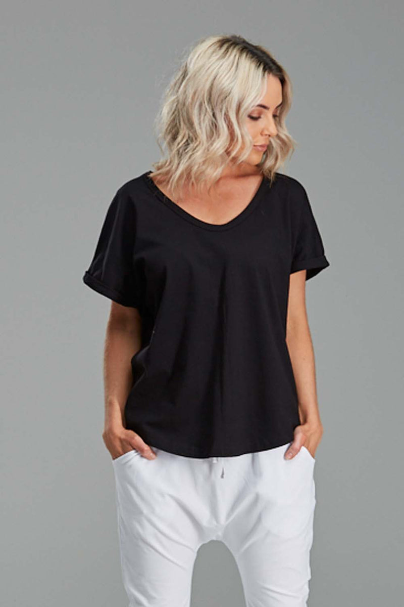 LUXE TEE IN BLACK