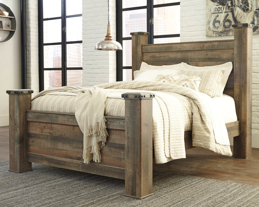 Trinell Signature Design by Ashley Brown Queen Poster Bed